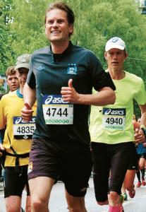Ni skulle säkert behöva springa några maraton också.